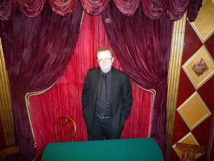 Close up magician performing at the magic castle